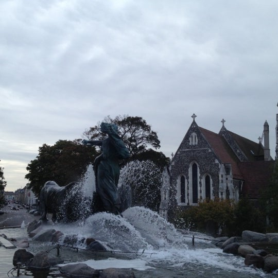 Photo taken at Gefionspringvandet (Gefion Fountain) by Signe Elin G. on 10/1/2012