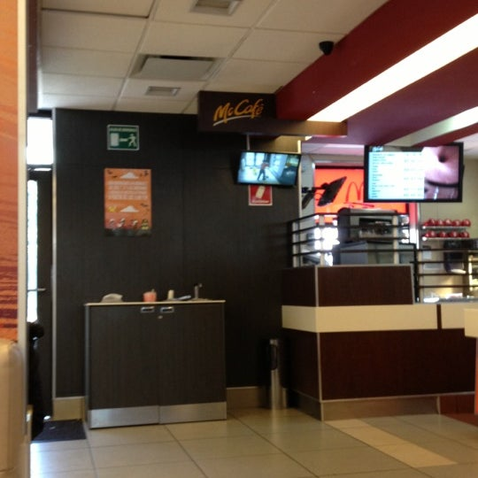 Photo taken at McDonald's by Pinky C. on 11/3/2012