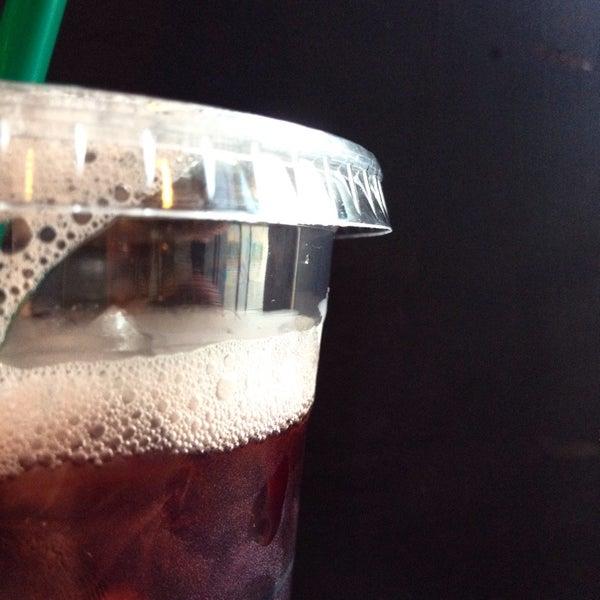 Photo taken at Starbucks 星巴克 by Teddy Y. on 7/31/2014