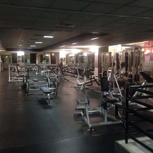 Photo taken at 24 Hour Fitness by Daniil B. on 8/7/2014