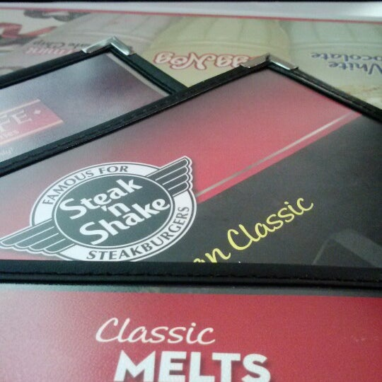 Photo taken at Steak 'n Shake by Jose Francisco M. on 12/31/2012