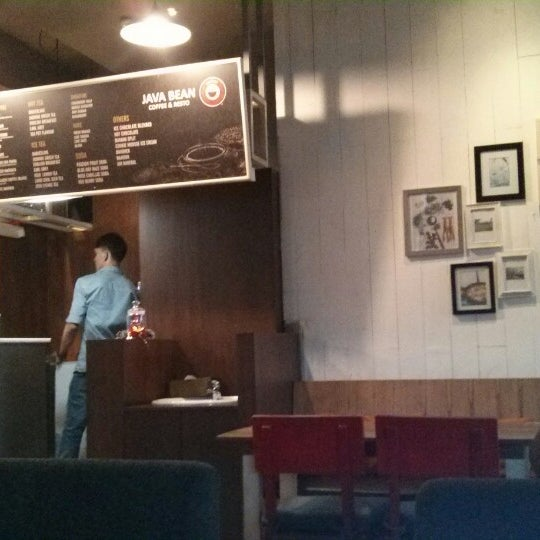 Photo taken at Java Bean by Farry A. on 12/21/2014