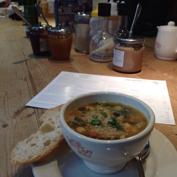 Photo taken at Le Pain Quotidien by Raffaella V. on 1/24/2014