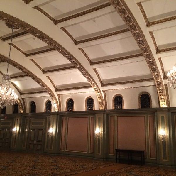 Photo taken at Langham Huntington Hotel by Fantastical L. on 7/26/2014