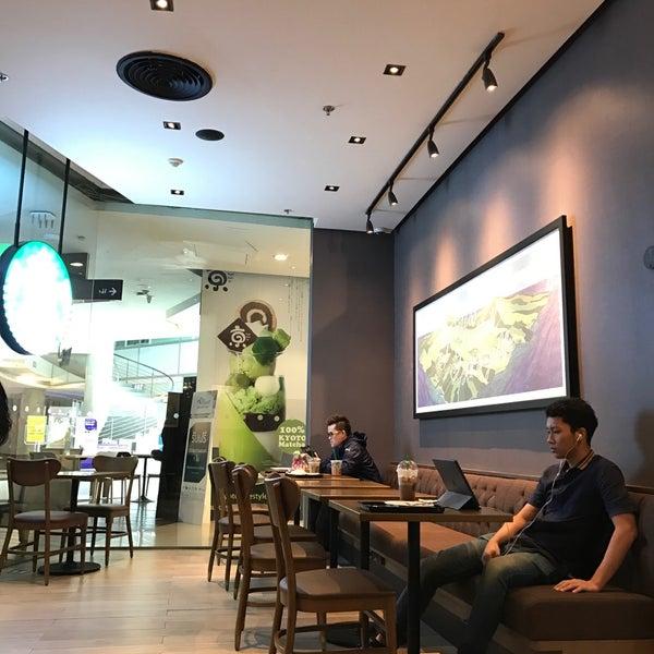 Photo taken at Starbucks by Taneka N. on 11/29/2016