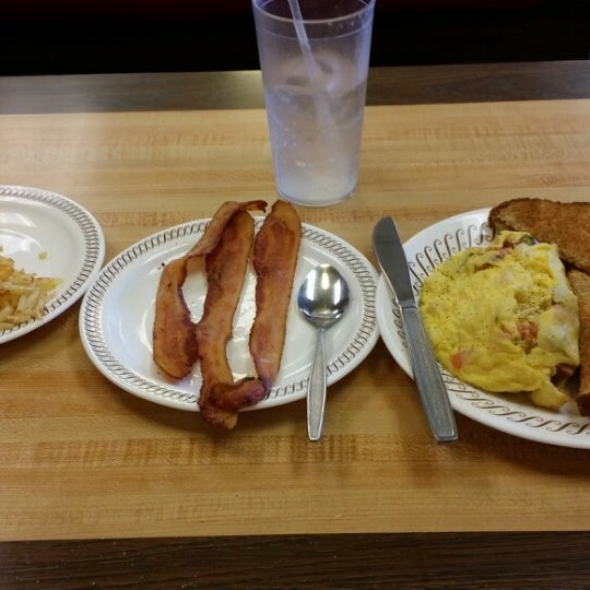 Photo taken at Waffle House by Brian C on 3/3/2014