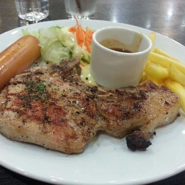Photo taken at Santa Fé Steak (ซานตา เฟ่ สเต็ก) by Preeyapha T. on 5/9/2014