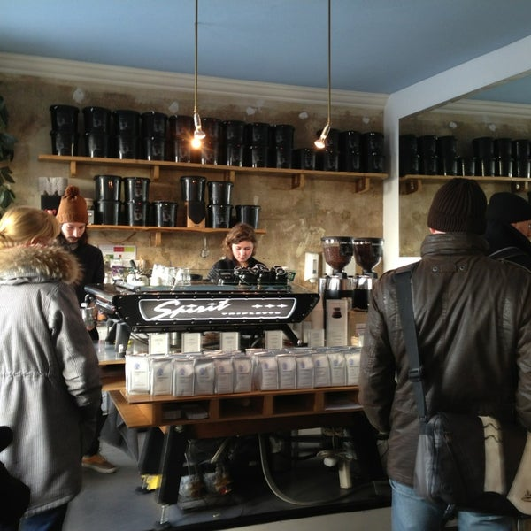Photo taken at Bonanza Coffee Heroes by Lyndon N. on 3/16/2013