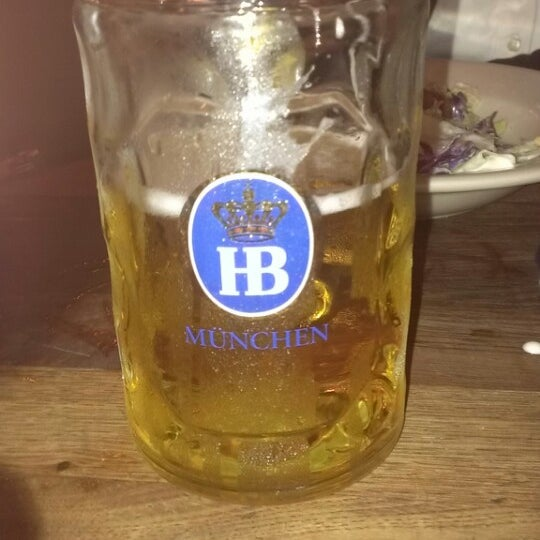 Photo taken at Hofbräuhaus Newport by Michael B. on 12/21/2013