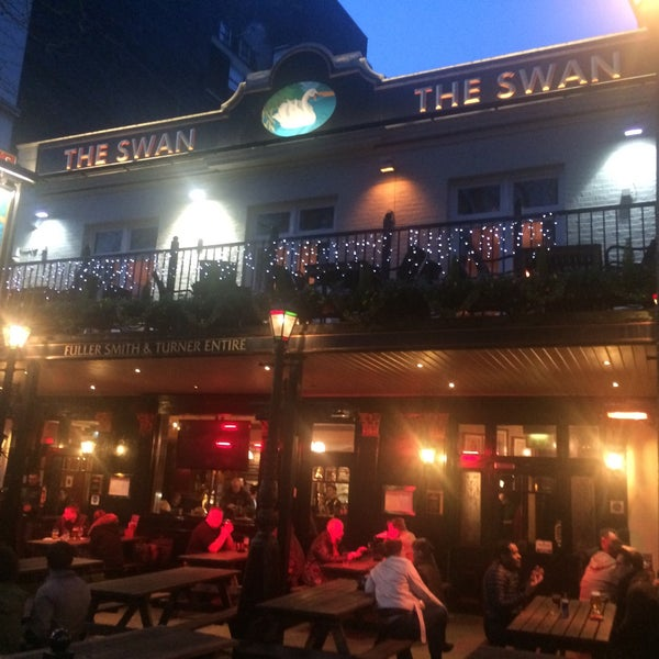Amazing Places To Live In London: Pub In London