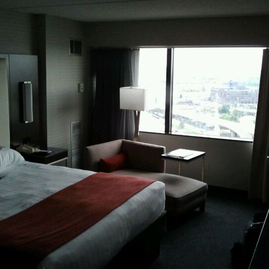 Photo taken at Hyatt Regency Columbus by Darcy on 9/28/2011