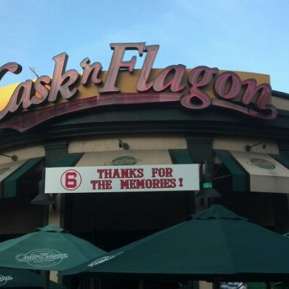 Photo taken at Cask 'n Flagon by ruthe l. on 8/25/2012