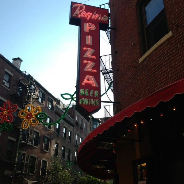 Photo taken at Regina Pizzeria by Kaitlyn L. on 8/13/2013