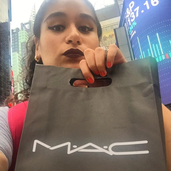 Photo taken at MAC Cosmetics by Lety M. on 7/11/2016