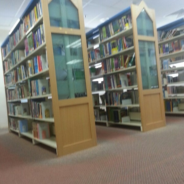 Photo taken at National Library (Perpustakaan Negara) by Dan K. on 5/12/2013