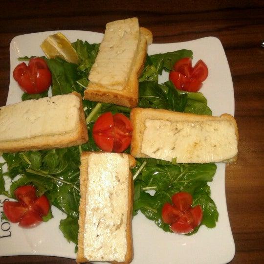 1/9/2013 tarihinde Özgür A.ziyaretçi tarafından Lotus Cafe Restaurant'de çekilen fotoğraf
