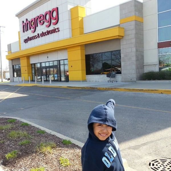 Photo taken at hhgregg by Javier C. on 4/21/2013