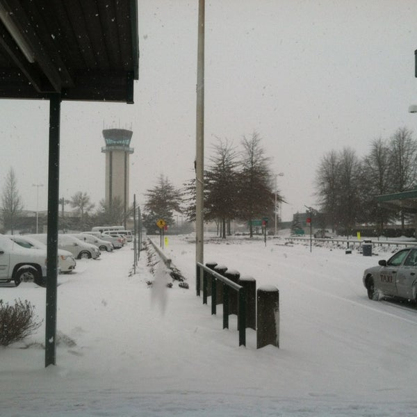Photo taken at Eugene Airport (EUG) by Rountree on 2/7/2014