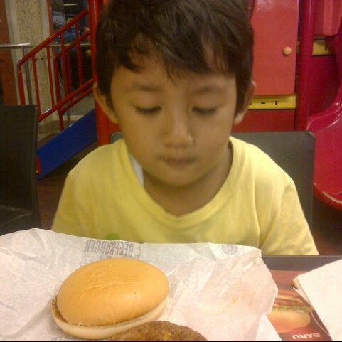 Photo taken at McDonald's by Blankon13 on 3/14/2015