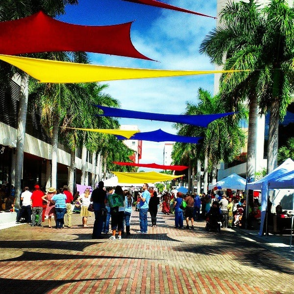 Photo taken at Miami Dade College Wolfson Campus by Monica Lynne H. on 4/6/2013