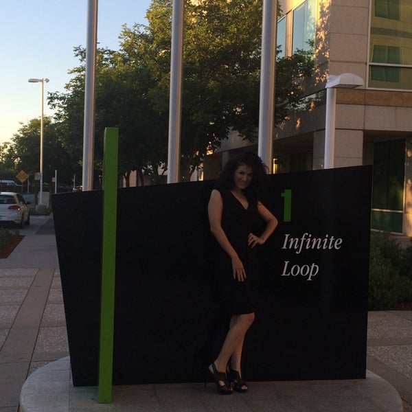 Photo taken at Apple Inc. by CupCake G. on 7/6/2014