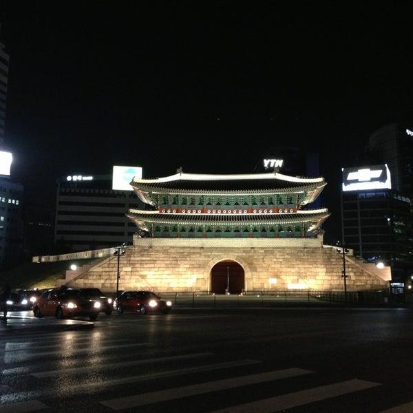 Photo taken at 숭례문 (崇禮門, Sungnyemun) by YeahSuh on 5/17/2013