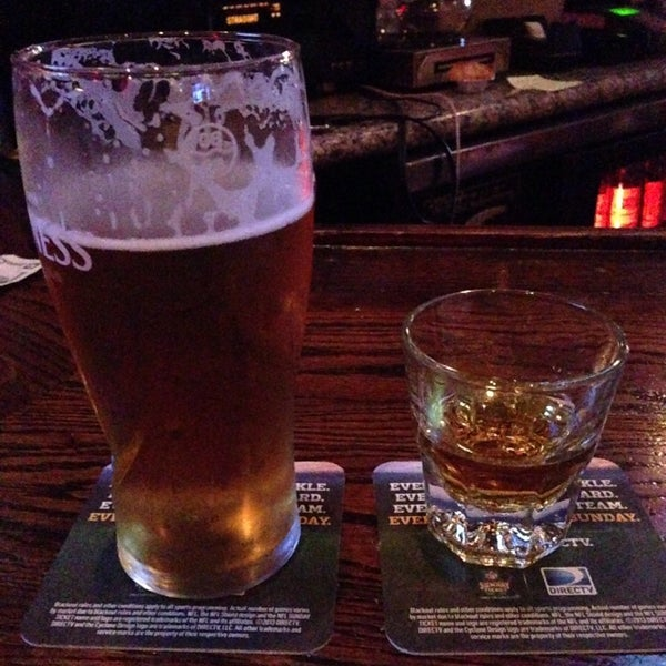 Photo taken at Blarney Stone Bar & Restaurant by Julia J. on 9/20/2013
