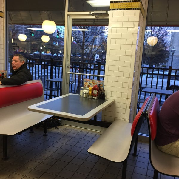 Photo taken at Waffle House by Danielle F. on 1/10/2017