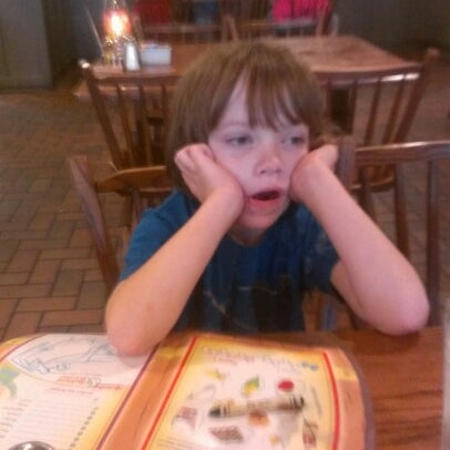 Photo taken at Cracker Barrel Old Country Store by Ray E. on 9/30/2012