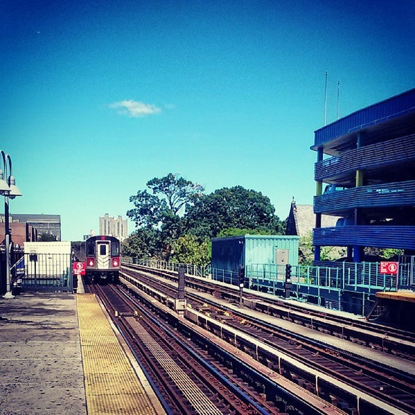 Photo taken at MTA Subway - Fordham Rd (4) by Jeff R. on 9/17/2013