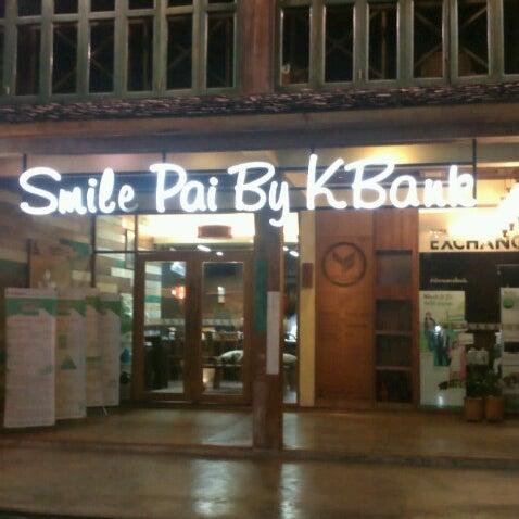 Photo taken at ธนาคารกสิกรไทย (Kasikorn bank) by Sinn on 10/2/2012