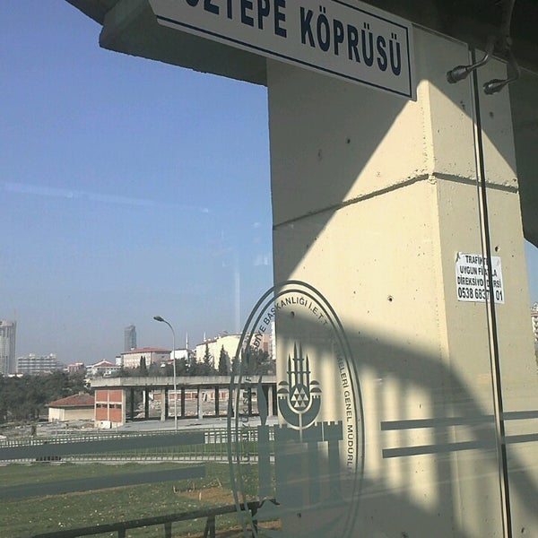 Photo taken at E-5 Göztepe Köprüsü by Yahya S. on 2/24/2013