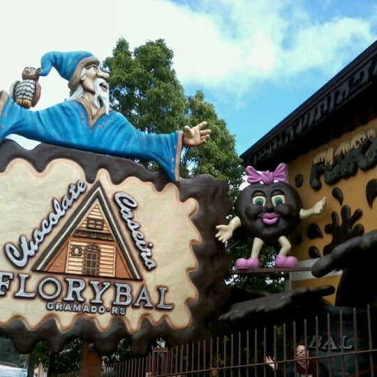 Photo taken at Florybal Chocolates by Filipi P. on 9/28/2012