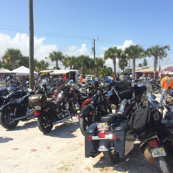 Photo taken at Archie's Seabreeze by Miranda on 3/1/2015