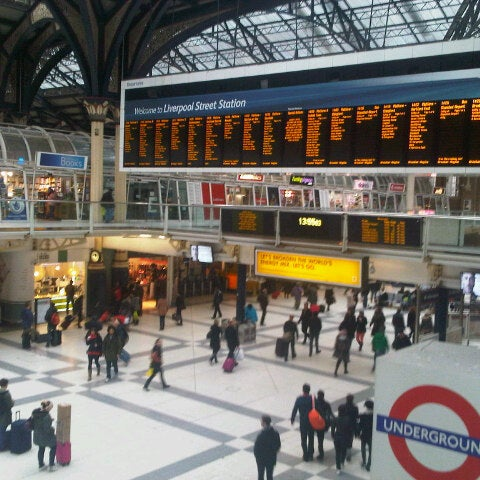 Photo taken at London Liverpool Street Railway Station (LST) by Antonio on 1/6/2013