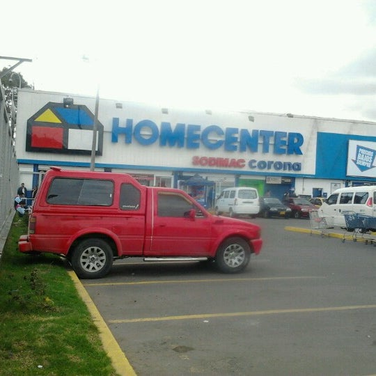 Photo taken at Homecenter y Constructor Av 68 Sur by Angels W. on 9/23/2012