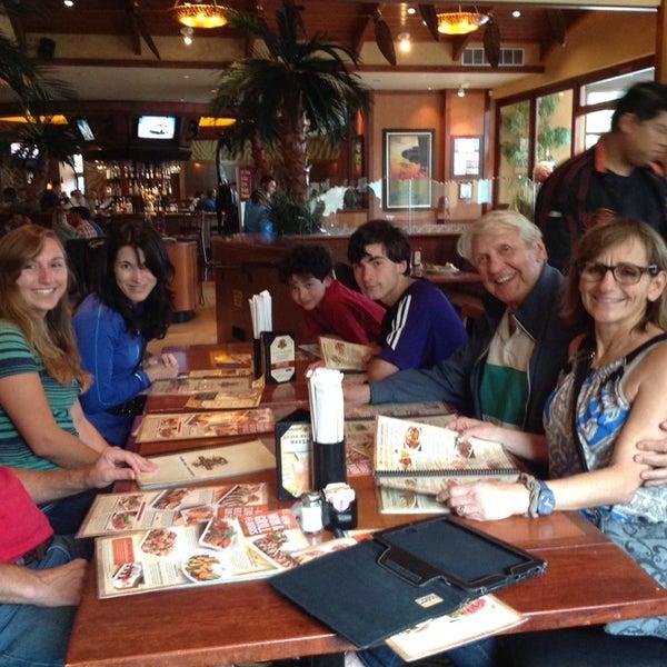 Photo taken at Elephant Bar by Lou K. on 8/17/2014