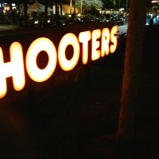 Photo taken at Hooters by Rey G. on 11/1/2012