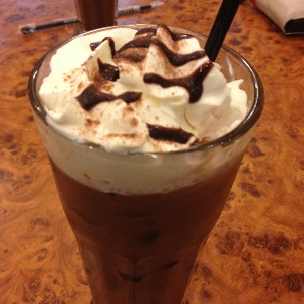 Photo taken at Black Canyon Coffee by indAh_caHayA on 2/24/2013