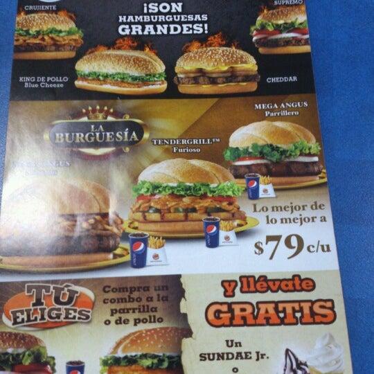 Photo taken at Burger King by Gerardo Z. on 9/22/2012