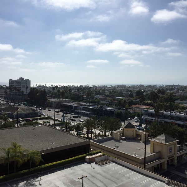 Photo taken at Marina Del Rey Marriott by peter l. on 8/1/2015