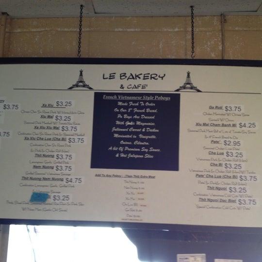Photo taken at Le Bakery & Cafe by bekki h. on 11/23/2012