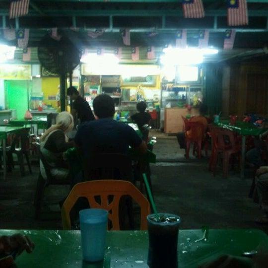 Photo taken at Kedai Jalal by Marwan D. on 10/2/2011