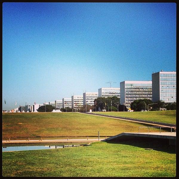 Esplanada dos minist rios eixo monumental emi for Esplanada dos jardins 1