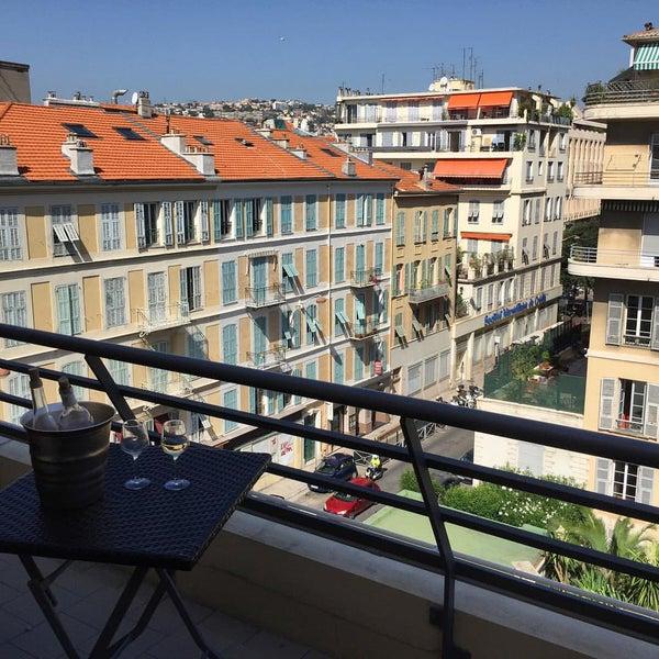 Hotel nice riviera jean m decin rue pastotelli for Piscine jean medecin