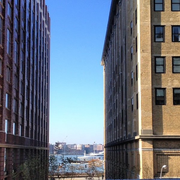 Photo taken at High Line 10th Ave Amphitheatre by Joshua B. on 11/17/2012
