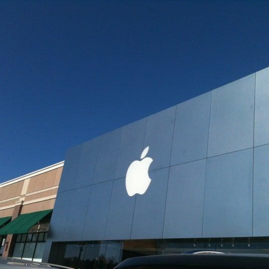 Photo taken at Apple Store, Friendly Center by 'Twanny Havana' on 10/21/2012