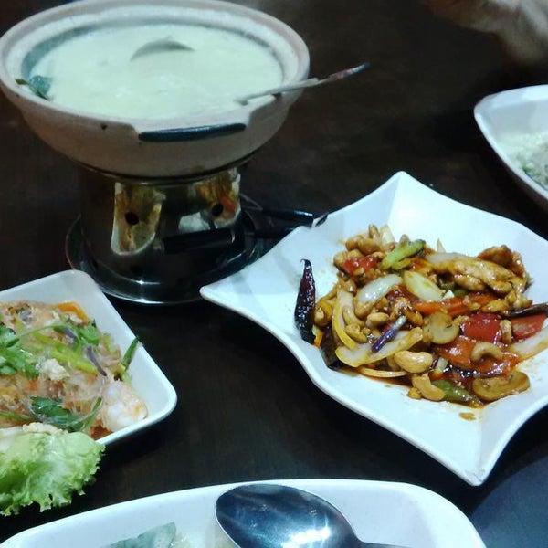 Photo taken at Soul Thai Restaurant by Ykee K. on 12/25/2014