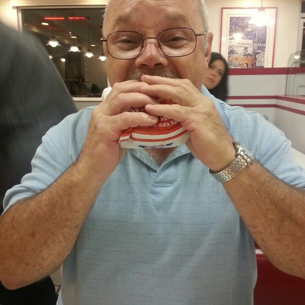 Photo taken at In-N-Out Burger by Bonnie F. on 10/8/2013