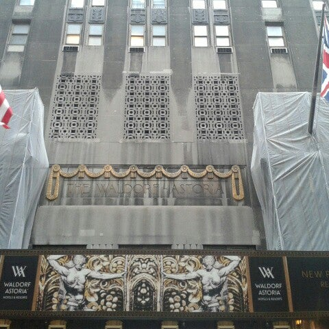 Photo taken at Waldorf Astoria New York by Anett S. on 4/15/2014